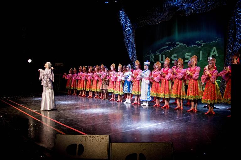 «Русский национальный балет «Кострома» открыл новый 28-й сезон гастролями по России. В списке городов только столицы - центры Российских регионов и корневой культуры.