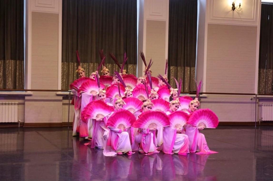 Губернатор Костромской области провел традиционную новогоднюю встречу с «Русским национальным балетом «Кострома»
