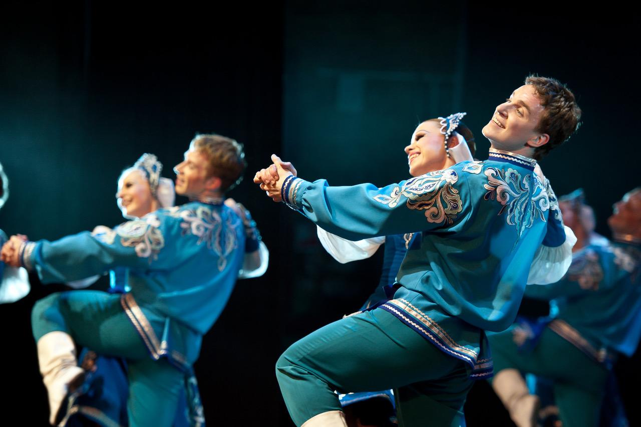 Русский национальный балет «Кострома» принял участие в праздничном концерте ко Дню защитника Отечества.