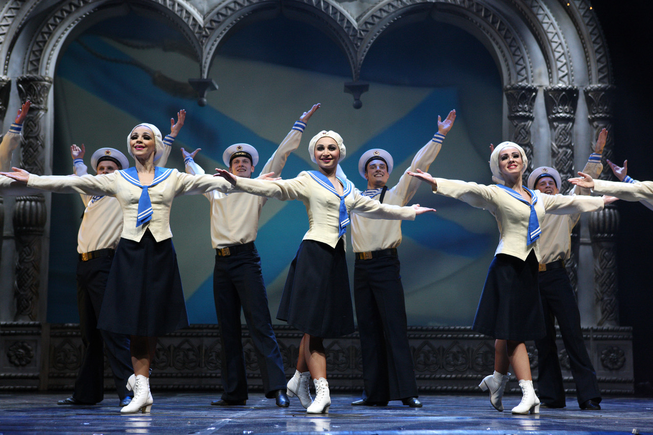 Русский национальный балет «Кострома» поздравил своих земляков с 23 февраля